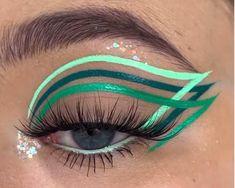 Eye Makeup Designs, Eye Makeup Art, Colorful Eye Makeup, Cute Makeup, Skin Makeup, Eyeshadow Makeup, Edgy Makeup, Green Eyeliner, Eyeliner Looks