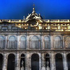 De oro y piedra | Gold and stone  Patio del Palacio Real de Madrid #nature #photography