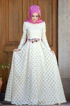 Muslimah Wedding Dress, Hijab Style Dress, Abaya Fashion, Modest Fashion, Fashion Outfits, Muslim Women Fashion, Islamic Fashion, Hijab Evening Dress, Moslem