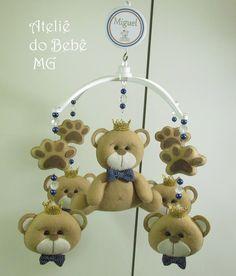 """Medidas: 30 cm de diâmetro             Encomenda da Rhubya ( Igarapé/MG ) para decorar o quarto do  """" Miguel """"  que está para nascer."""