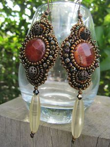 Beaded earring. bijoux septembre 2012 043