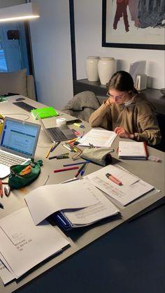 spotify and ig are linked ❤️ Uni Life, College Life, Study Motivation, Motivation Inspiration, Study Organization, School Study Tips, Study Space, Study Hard, Med School
