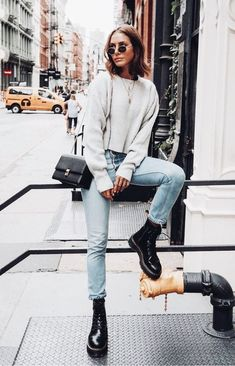 27 New Ideas fashion outfits inspiration grey sweater Casual Fall Outfits, Winter Fashion Outfits, Autumn Winter Fashion, Trendy Outfits, Dress Casual, Casual Wear, Casual Boots, Spring Outfits, Autumn Style