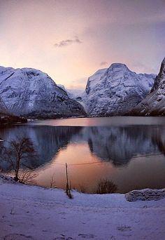 LAKE LOVATNET, STRYN, NORWAY - Travelers Feed