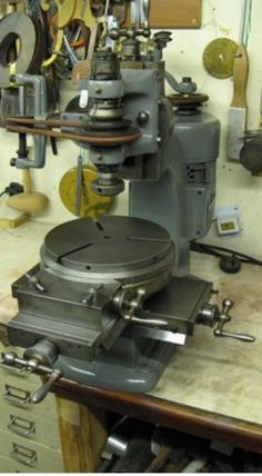 BCA/Sigma/Jones type jig borer -Would LOVE to get my hands on one of these! Antique Tools, Old Tools, Vintage Tools, Metal Mill, Metal Shop, Milling Table, Knife Making Tools, Machinist Tools, Metal Workshop