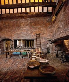 huge kitchen at medieval Manor House - Gainsborough Old Hall, Lincolnshire, England (by Cathedrals and Churches of Great Britain, via Flickr)