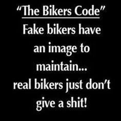 No codes: do what you like, als het maar kleurrijk is... #zwartwit #woorden #geenregels #norules #no #posers #no #fake #justyou #cyclinglove #cyclinglife #passie
