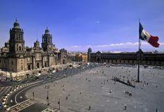 El mundo es una plaza | El Viajero en EL PAÍS El Zócalo Mexico, D.F.