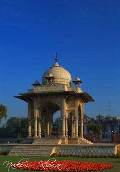 Chairing cross Lahore, Punjab-Pakistan at early morning.