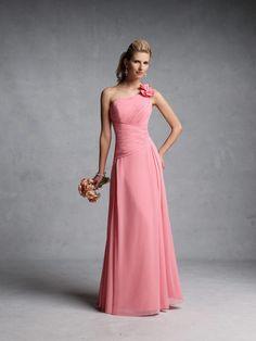 Imagen de http://m1.paperblog.com/i/259/2595731/fabulosos-vestidos-damas-honor-L-es9Uvp.jpeg.