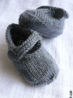 So I love the way these little slippers look!  No pattern - ack!  So then I sat here looking at my magic slippers pattern.  Why couldn't we do the magic slippers and add a wee strap to it and the button?  Just a thought!