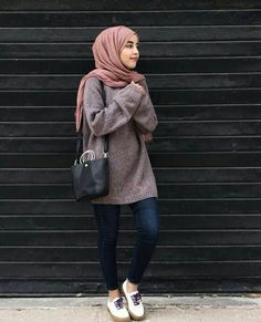 Formal Office Wear For Muslimah- Are you an office going lady who is looking for some hijab office look ideas? If you are a true lover of the hijab and want to Oufits Casual, Casual Hijab Outfit, Casual Outfits, Fashion Outfits, Party Fashion, Office Outfits, Hijab Fashion Casual, Ootd Hijab, Stylish Hijab
