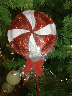 Peppermint lollipop ornament- Handmade ornament for the Christmas tree, made out of paper plates and glitter...