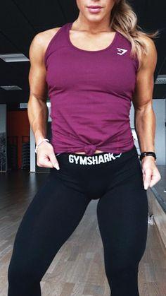 7616a2fe11 L E G S E S S I O N ✓ Hanna Oeberg dressed in Gymshark Fit leggings and  Tempo Vest. Fit leggings