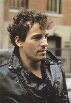 Bruce Springsteen / the cultissime boss. Is that an english word ? Music Icon, My Music, Elvis Presley, The Boss Bruce, Bruce Springsteen The Boss, E Street Band, New Wave, Jersey Girl, Rock Legends
