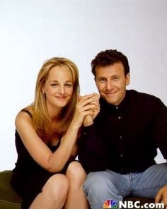 Paul Reiser (Paul) and Helen Hunt (Jamie) - Mad About You favorite show! Comedy Series, Comedy Tv, Best American Tv Series, 80s Actresses, Mcleod's Daughters, Helen Hunt, The Carrie Diaries, Best Duos, Movie Couples