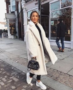 27 Cute Winter Coat Outfits For Inspiration This Season - Winter Outfits Winter Outfits For Teen Girls, Winter Coat Outfits, Winter Outfits Women, Winter Outfits For Work, Winter Fashion Outfits, Cool Outfits, Winter Dresses, Beautiful Outfits, Casual Outfits