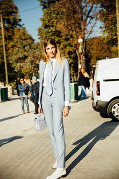 Light blue pantsuit - Street Style Paris Fashion Week, septiembre de 2016 © Icíar J. Carrasco