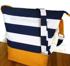 Hey, I found this really awesome Etsy listing at https://www.etsy.com/listing/185786422/vegan-tote-bag-in-navy-white-nautical