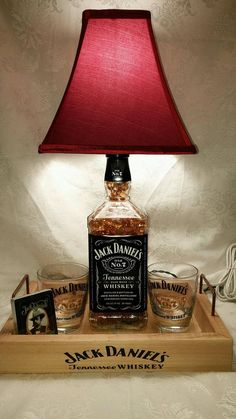 Jack Daniels Liter Whiskey Bottle Light Lamp Bar Decorations - Glasses- Playing Cards - Amber L Lampe Jack Daniels, Jack Daniels Decor, Jack Daniels Bottle, Whiskey Bottle Crafts, Alcohol Bottle Crafts, Alcohol Bottles, Alcohol Bottle Decorations, Liquor Bottle Lights, Liquor Bottles