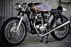 Pipeburn - Purveyors of Classic Motorcycles, Cafe Racers & Custom motorbikes
