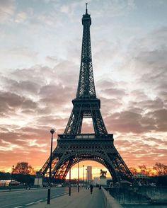 Eiffel tower 🗼 I ♥ Paris 2 Eiffel Tower Photography, Paris Photography, Paris Torre Eiffel, France Eiffel Tower, Eiffel Towers, Paris France Travel, Paris Wallpaper, Paris Theme, Places To See