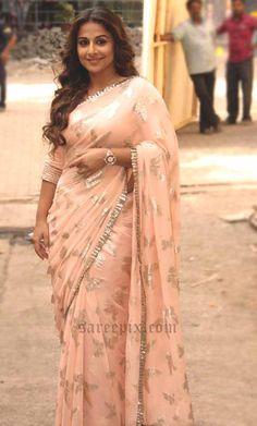 Vidya Balan saree Hamari adhuri kahani promotions
