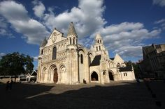 The Église Notre-Dame-la-Grande in Poitiers is a magnificent Romanesque-Byzantine church from the 11th and 12th centuries.