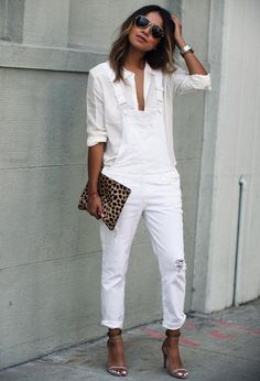 26acc00e663b2 15 Fashionable White Outfits Ideas For a Excellent Summer time  #allwhiteoutfitsideas #blackandwhiteoutfitsideas #redandwhiteoutfitsideas