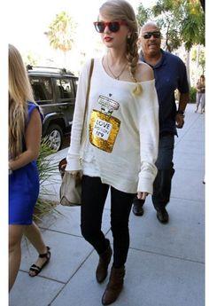 Taylor Swift's perfume bottle sweater