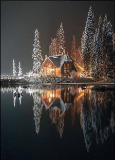 Emerald Lake lodge, Yoho National Park (B.) Emerald Lake lodge, Yoho National Park (B. Winter Szenen, Winter Time, Winter Christmas, Winter Cabin, Winter Night, Snow Cabin, Winter Season, Cozy Cabin, Hello Winter