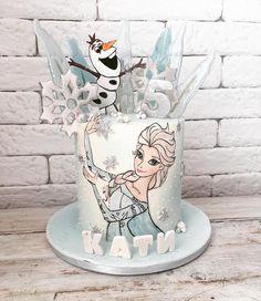 Elsa frozen cake by Martina Encheva Crazy Birthday Cakes, Frozen Themed Birthday Cake, Elsa Birthday Party, Birthday Party Desserts, Beautiful Birthday Cakes, Elsa Frozen, Disney Frozen Birthday, Frozen Castle, Disney Frozen Cake