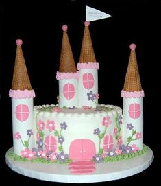 Simplier design than some other tricky castle cakes