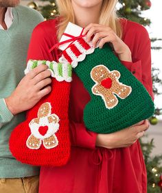 These Yummy Gingerbread Crochet Stockings look good enough to eat. Of course, it's a good thing that this stocking pattern is not edible because they are also far too cute to eat. Best of all, it's a crochet Christmas stocking pattern free of charge. Crochet Christmas Stocking Pattern, Crochet Stocking, Crochet Santa, Knitted Christmas Stockings, Holiday Crochet, Crochet Christmas Ornaments, Christmas Knitting, Crochet Gifts, Free Crochet