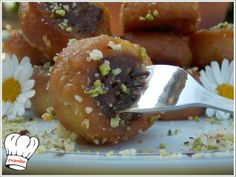 ΡΟΞΑΚΙΑ ΝΗΣΤΙΣΙΜΑ!!!...by nostimessyntagesthsgwgws.blogspot.com Greek Sweets, Greek Desserts, Greek Recipes, Vegan Recipes, Cooking Recipes, Greek Cookbook, Cookie Dough Pie, Meals Without Meat, Sweet Little Things