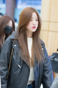 190130 GMP departure (to Jap n) Ulzzang Korean Girl, Cute Korean Girl, Asian Girl, Kpop Girl Groups, Kpop Girls, Haircuts Straight Hair, Hair Color Asian, Stylish Girl Images, Japanese Girl Group