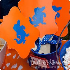 """Florida #Gators """"fans""""  - great diy inspiration that can be customized for any SEC team. Would love to make some for my Dawgs tailgate next season!"""