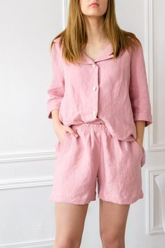Stonewashed linen pajama set that gets better with every wash. This soft, comfy linen pajama set is perfect for warm summer nights or wearing as loungewear around the house. #linenpjs #linenloungewear