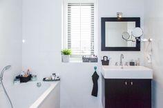 Mooi badkamermeubel, kleur hout alleen lichter of wit def
