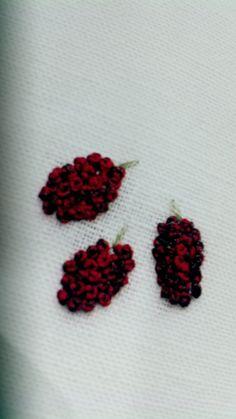 【책소개】일본 크라프트 책 후기 - 작은 자수의 아름다움 Embroidery Stitches, Embroidery Designs, Moss Stitch, Flowers, Log Projects, Manualidades, Doggies, Royal Icing Flowers, Flower