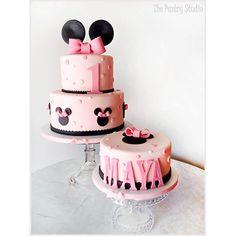 Geburtstagstorte Kinder Karlsruhe www. Geburtstagstorte Kinder Karlsruhe www. Mickey Mouse Torte, Minni Mouse Cake, Bolo Mickey E Minnie, Minnie Mouse Birthday Cakes, 1st Birthday Cakes, Pink Minnie, Minnie Mouse Cake Design, Disney Mickey, Birthday Ideas