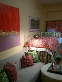 Love this painted canvas with strip of glitz in the middle to seperate colors.  One for each room in diff colors.