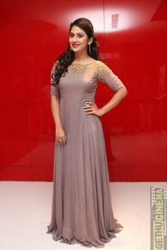Tollywood Actress Mia George New Photos In Violet Dress Wallpaper 2017, Bride Reception Dresses, Gown Party Wear, Simple Gowns, Long Dress Design, Violet Dresses, Long Gown Dress, Indian Gowns Dresses, Kurti Designs Party Wear