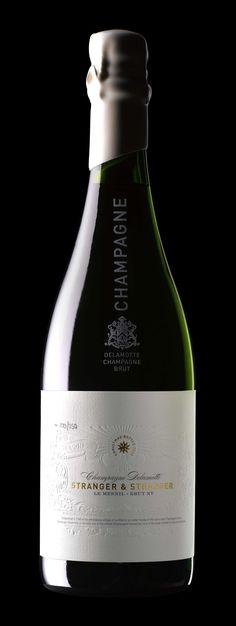 Stranger & Stranger Christmas champagne featured on Lovely Package. Packaging design by Stranger & Stranger #stilovino