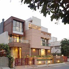 Ideas Exterior House Design Modern Facades Arquitetura For 2019 Best Exterior Paint, Exterior House Colors, Exterior Design, Modern Bungalow Exterior, House Front Design, Modern House Design, Duplex House Design, Modern Country, Style At Home