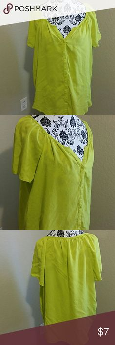 Plus size t shirt Lime green plus size t-shirt short sleeve Old Navy Tops Button Down Shirts