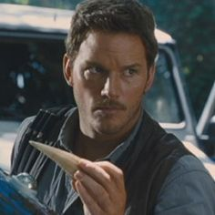 'Jurassic World' Trailer Debuts: Chris Pratt vs. Hybrid Dinos!