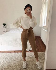 Outfit ideas for the fall. Which Element would you add to your shopping list? - Combine Look Casual Sporty Outfits, Uni Outfits, Teenage Outfits, Cute Casual Outfits, Winter Fashion Outfits, Girly Outfits, Mode Outfits, College Outfits, Simple Outfits
