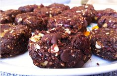 Made to Create: Raw Trail-Mix Cookies