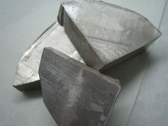 It is a soft, silver-white, highly reactive metal and is a member of the alkali metals; its only stable isotope is Na. Description from scienceillustratedmagazine.com. I searched for this on bing.com/images